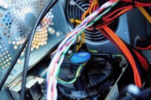 ventilatorul merge la turatii mari