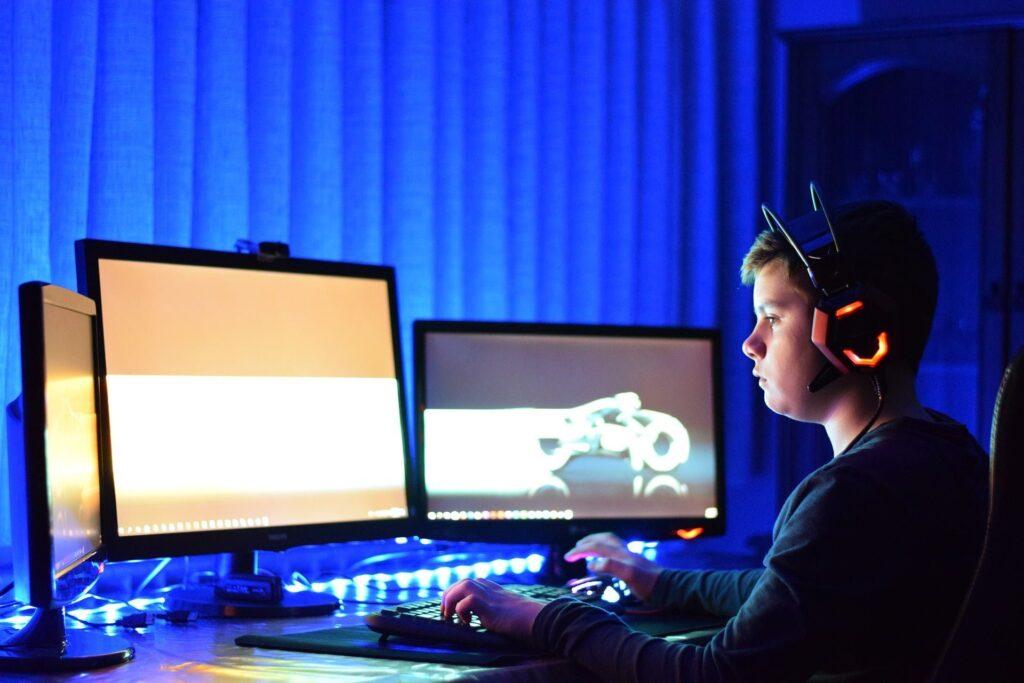 laptop sau desktop pc pentru gaming