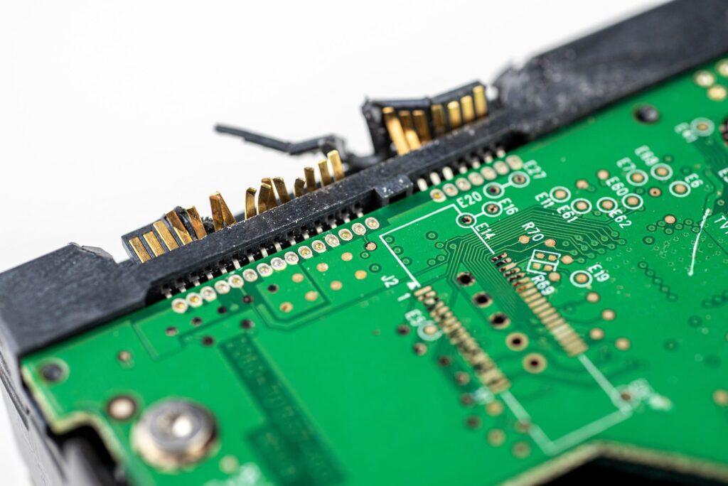recuperare date HDD prin repararea defectiunilor plăcii de baza a hard disk -ului